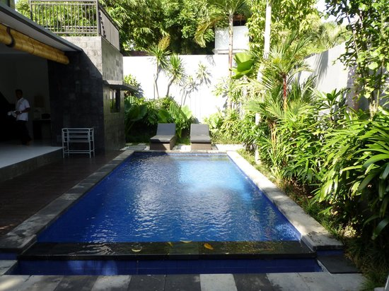 Samaja Beachside Villas: swimming pool