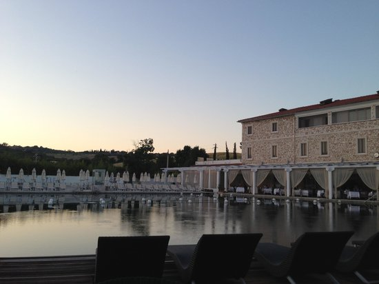 Terme di Saturnia Spa & Golf Resort: Terme al tramonto