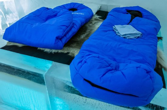 "Jukkasjarvi, สวีเดน: Icehotel ""Ice"" Accommodation Regular Room with Sleeping Bags"