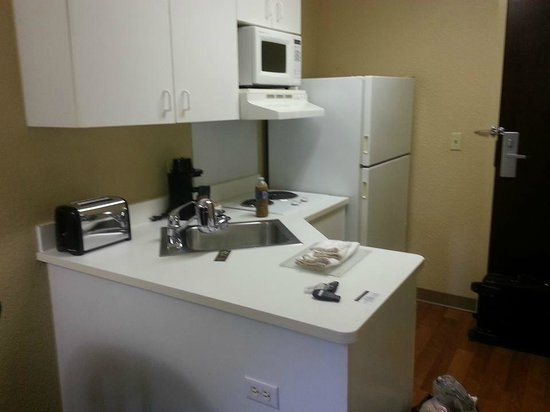 Extended Stay America - Seattle - Bellevue - Downtown: Kitchen