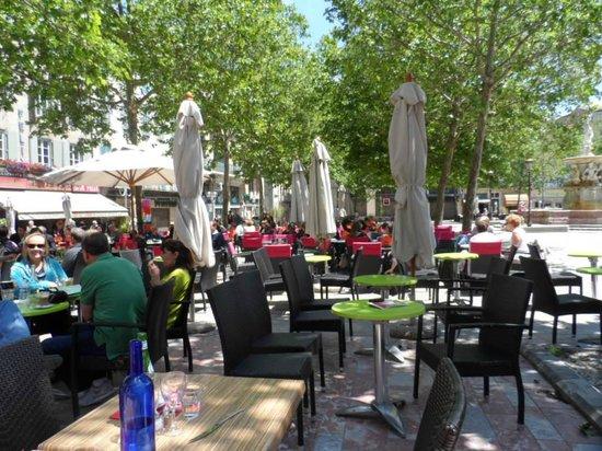 Le Saint Roch: Across the square