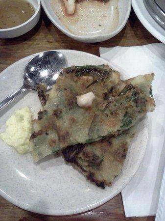 Kunjip Restaurant: Hae Mul Pa Jun (Seafood Pancake)