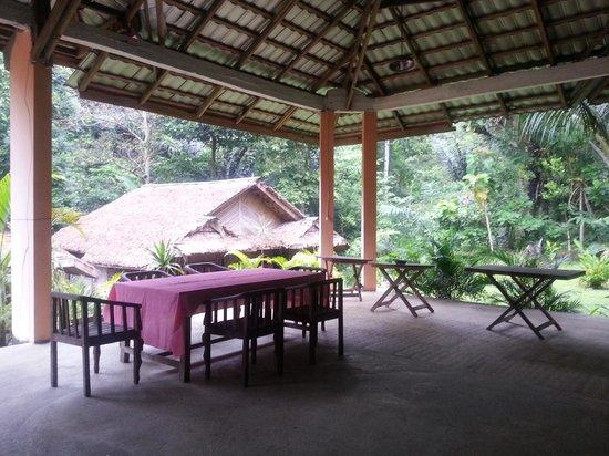 Tangkoko Dove Villas: Public area