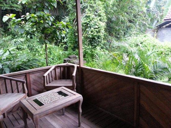 Tangkoko Dove Villas: Balcony