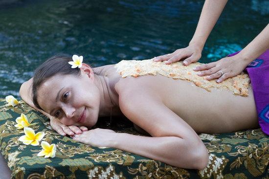 Balibaliku Beach Front Luxury Private Pool Villa: Honeymoon Package