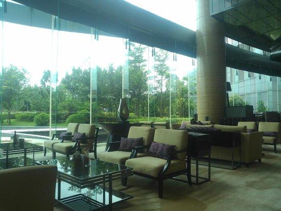 Crowne Plaza Huizhou : Lobby lounge