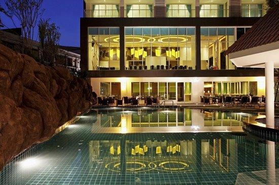 Pattaya Smoking Rooms Hotel