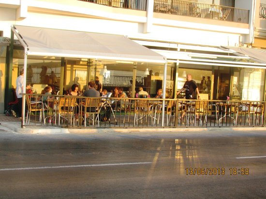 Brilliant Vinnies Restaurant Pizzeria Take Away Bugibba Updated Download Free Architecture Designs Rallybritishbridgeorg