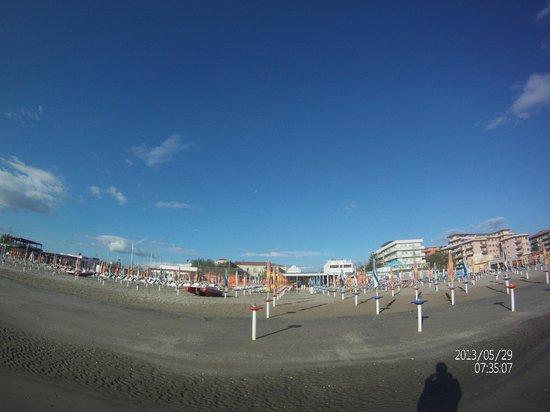 La Spiaggia Di Fronte All 39 Hotel Bild Von Hotel Promenade
