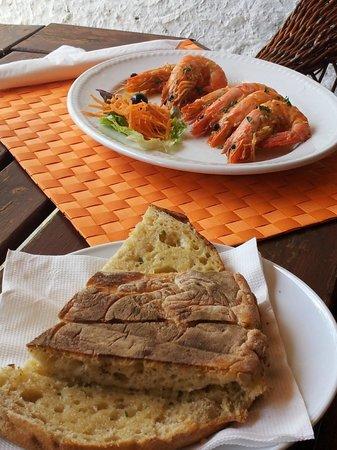 Vila Alencastre: Gamberi e bolo de caco