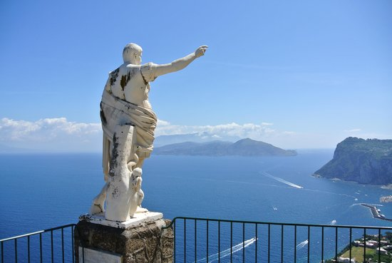 Caesar Augustus Hotel: Amazing location