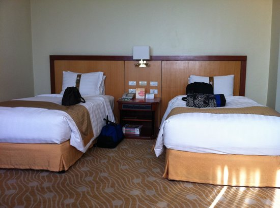 Holiday Inn Manila Galleria: Twin Bed