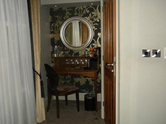 The Drayton Court Hotel: Le coin bureau