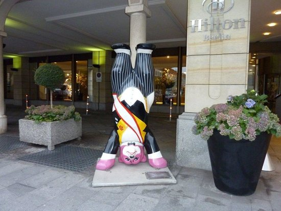 Hilton Berlin: Berliner Hospitality Bear