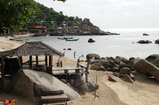 Family Tanote Bay Resort: vue sur le Resort depuis le bout de la plage
