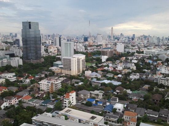 обзор из отеля Grand Tower Inn Rama VI-21 этаж фото0304