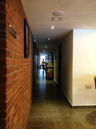 Crossroads Hotel : Hallway.