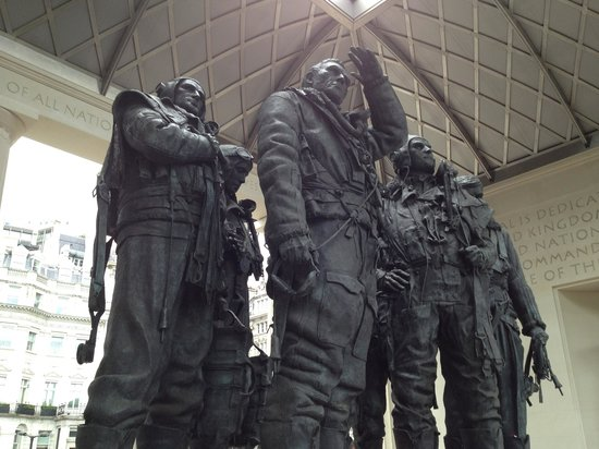 Лондон, UK: Bomber Command Memorial