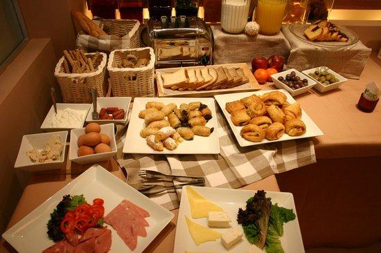 Pefka Hotel: Breakfast Buffet