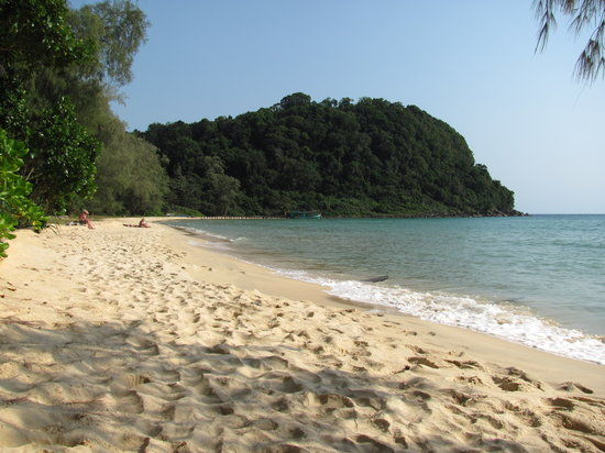 Lazy Beach Looking Busy