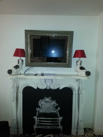 The Fireplace Without Fire And The Painting Deco Tv Picture Of