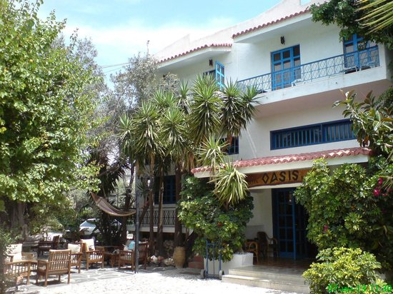 Oasis Hotel Bungalows Rhodes: Building where located Reception, bar & restaurant