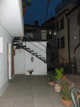 Hotel Modena: Terrace outside room 105