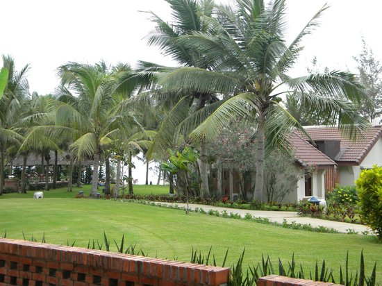 Palm Garden Beach Resort & Spa: View to beach from room (bungalow in foreground)