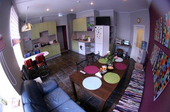 Activ Hostel : Kitchen