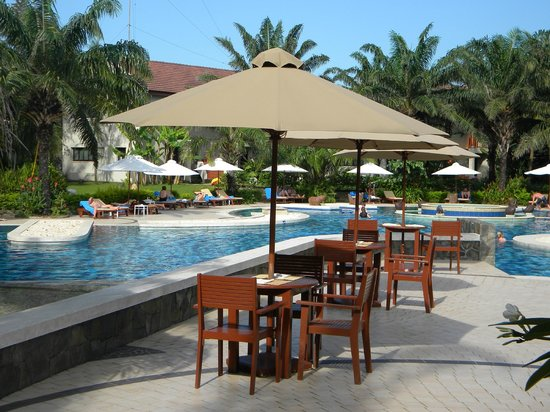 Palm Garden Beach Resort & Spa: Poolside