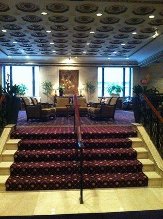 โรงแรมรูเซเวลท์: Lobby