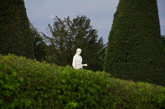 Guidatours Versailles : Versalles Gardens on the Tour