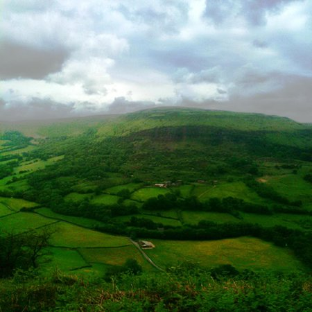 Llanthony Riding & Trekking: Horse riding in the Brecon Beacons