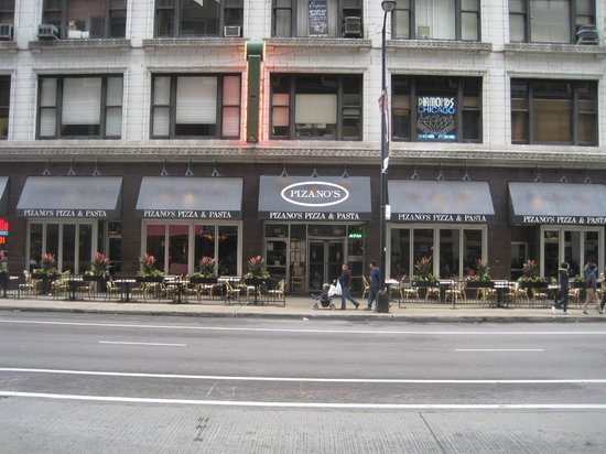 Pizano's Pizza & Pasta: The Pizano's location we ate at.