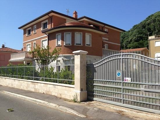 Ancora Appartamenti: la villa