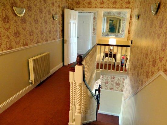 Brook Manor Lodge: Hallway view