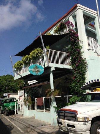 Cruz Bay Boutique Hotel: The hotel, so cute!!