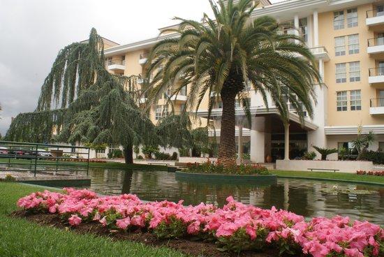 Hotel dos Templarios: L'entrée de l'hôtel Dos Templarios