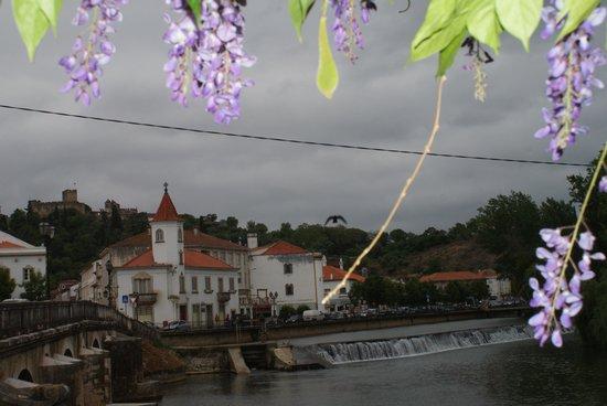 Hotel dos Templarios: Tomar centre à 200 m de l'hôtel