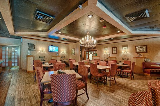 Holiday Inn Asheville - Biltmore East: Big Owl's Restaurant Serving Local Fare
