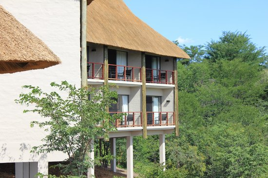 Victoria Falls Safari Club: View of the suites from the private lounge