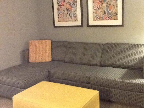 دبل تري سويتس باي هيلتون هوتل هنتسفيل: Suite room two doubles
