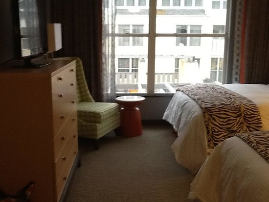 DoubleTree Suites by Hilton Huntsville-South : Suite room two doubles
