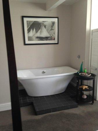 Kemp Townhouse : Huge bath