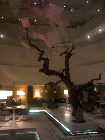 Radisson Blu Conference & Airport Hotel: Lobby/lounge area