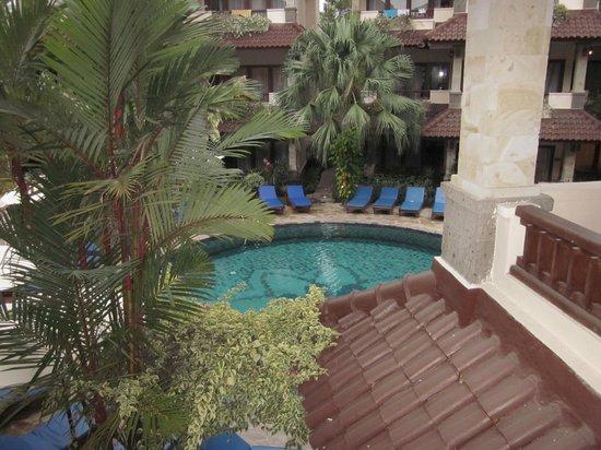 パリガタ リゾート アンド スパ, pool