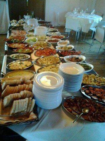 Notaresco, Italia: Antipasto a buffet