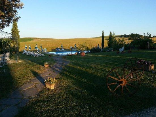 Agriturismo San Giorgio: piscina e dintorni