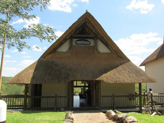 Victoria Falls Safari Club : Reception area and lounge