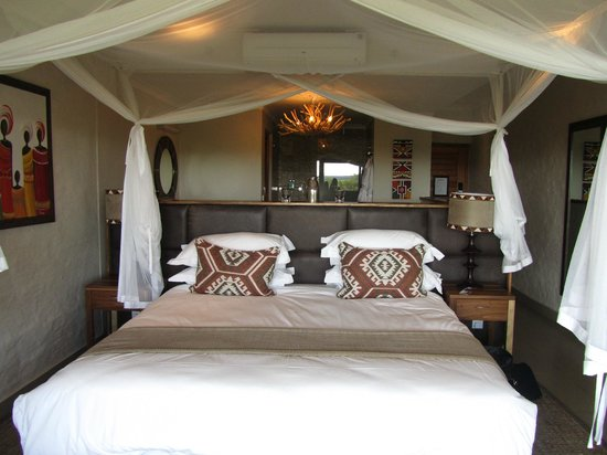 Victoria Falls Safari Club : My bed